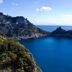 Amalfi Coast: Emerald Grotto + Capri & Amalfi Audio Guide