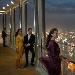Burj Khalifa: Bubbly Sundowner at the Lounge (152nd - 154th Floors)