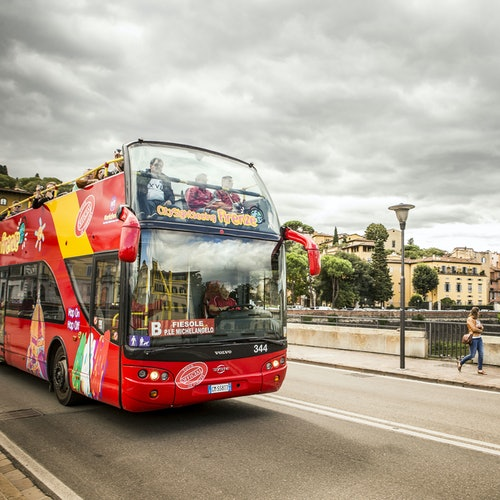 Bus turístico Florencia + Catedral de Florencia: Visita guiada, cúpula y terrazas