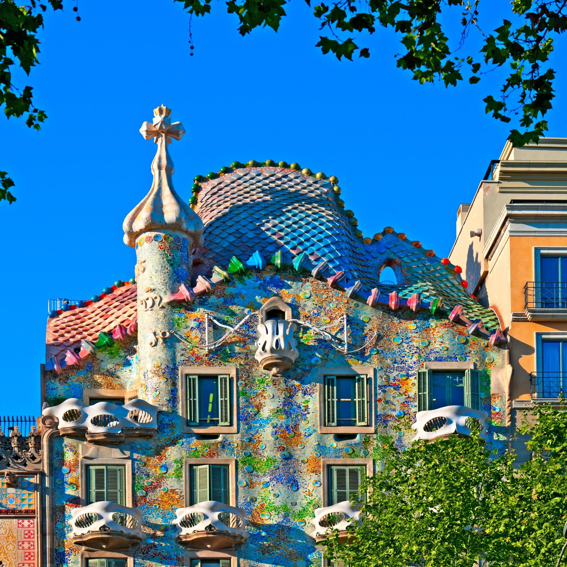 Casa batll video guide tiqets - Casa de madrid en barcelona ...