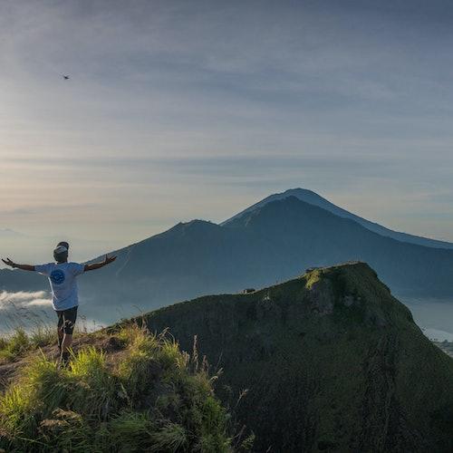 Excursión en el monte Batur al amanecer + Tour por las aguas termales