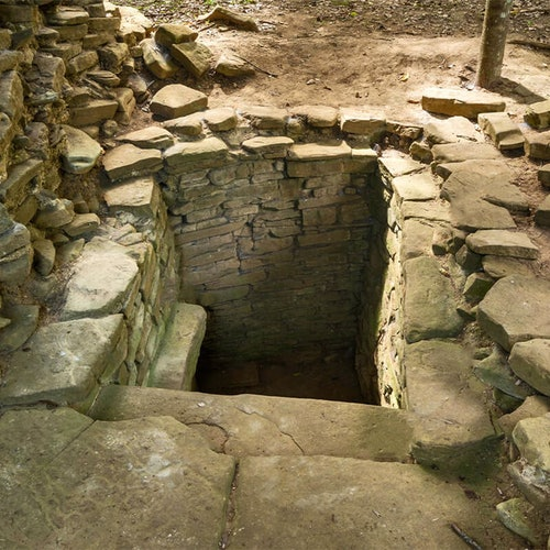 Ruinas mayas de Nim Li Punit