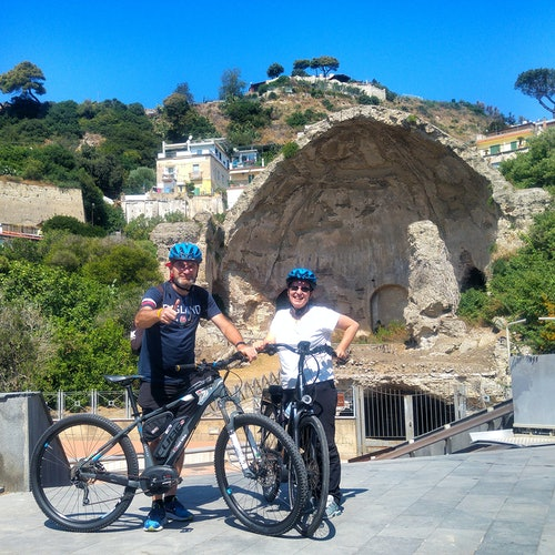 Tour en bici: Nápoles y Campos Flégreos