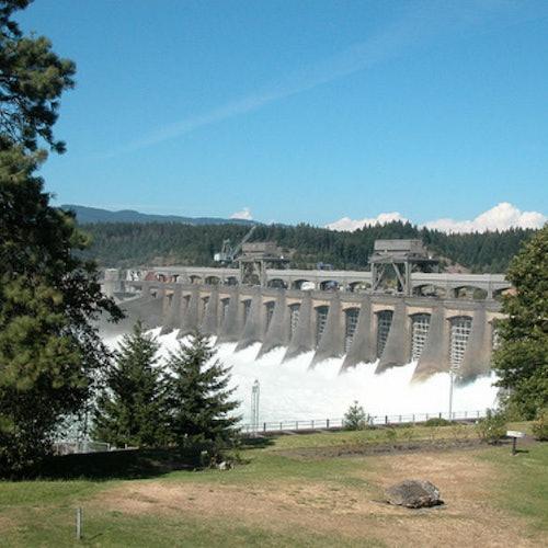 Cataratas de Multnomah y garganta del río Columbia desde Portland
