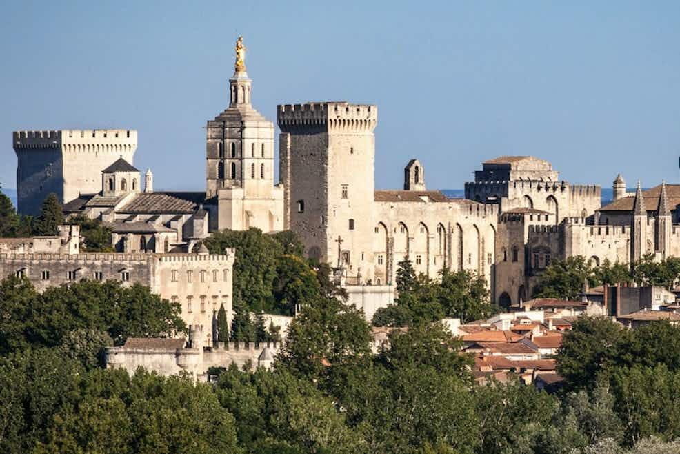 Avignon Dating Site.)