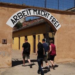 Tickets, museos, atracciones,Visita Campo de Concentración Tezerín
