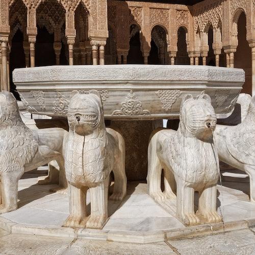 Alhambra + Palacios Nazaríes: Sin colas + Audioguía