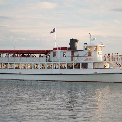 Crucero con brunch a bordo del yate Northern Lights