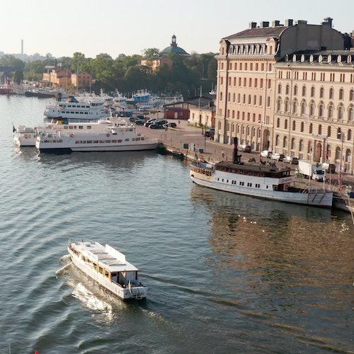 Tour privado en barco por Estocolmo