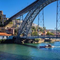 Hop-on Hop-off Bus + River Cruise Porto