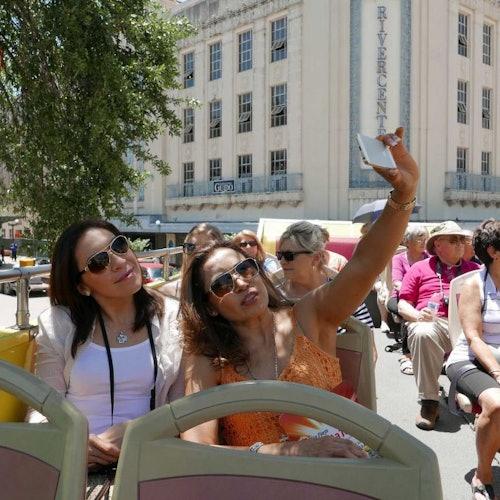 Bus turístico San Antonio