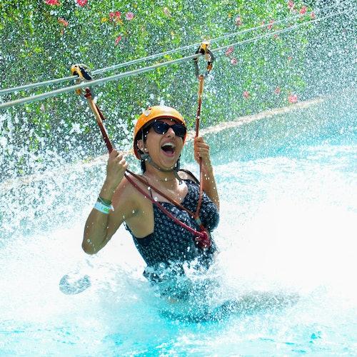 Bavaro Park: Zipline Mega Splash