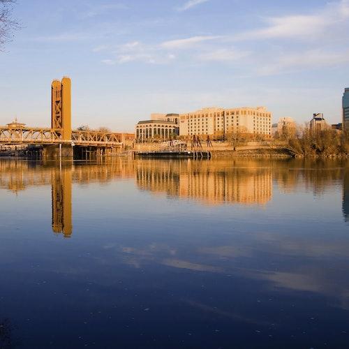 Crucero histórico por el río en Sacramento