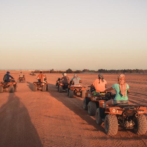 Safari por el desierto en camello y quad desde Sharm el-Sheij + Cena