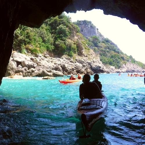 Tour de 3 horas en kayak por la costa de Amalfi