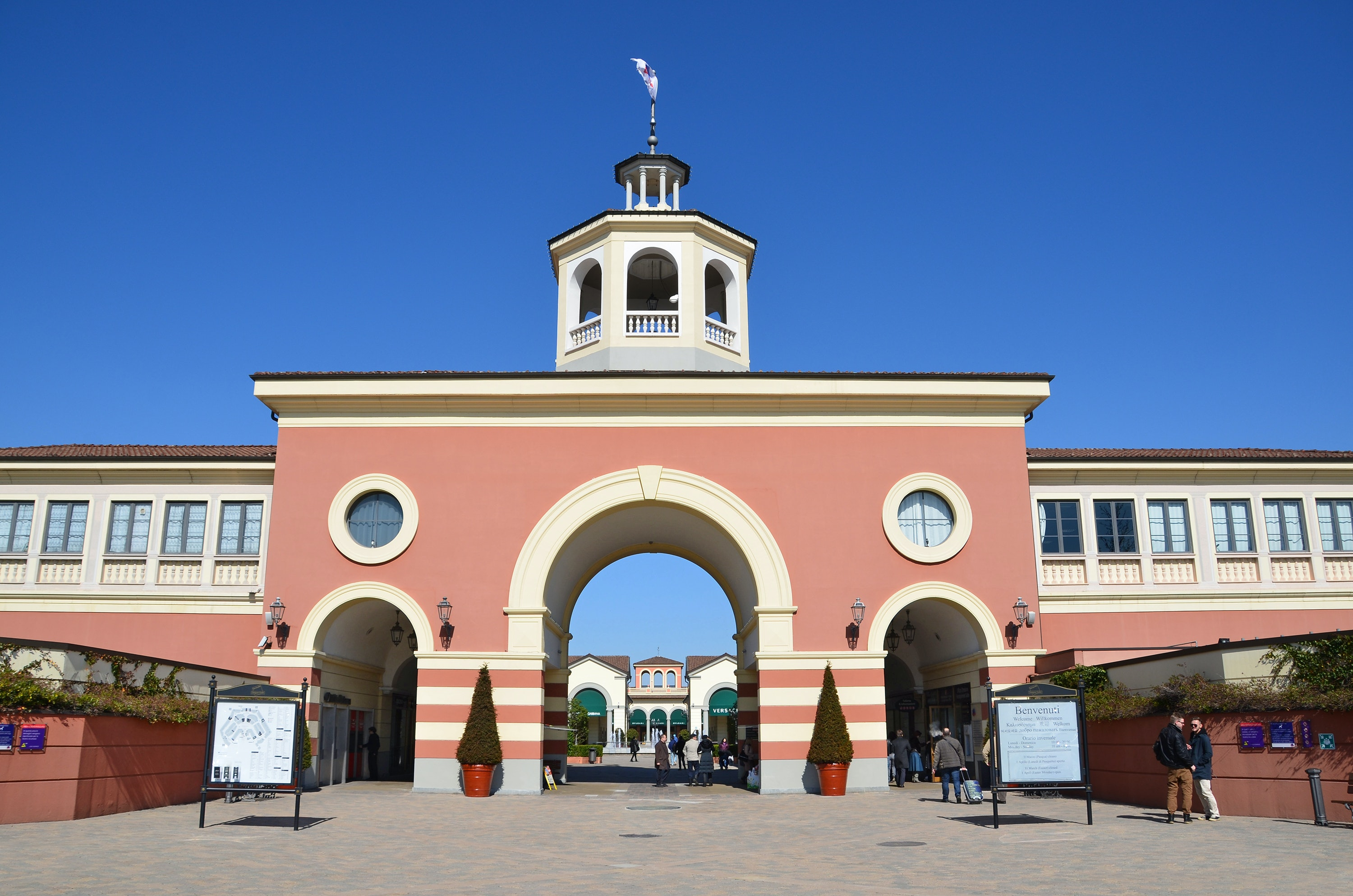 Serravalle designer outlet for Outlet design milano
