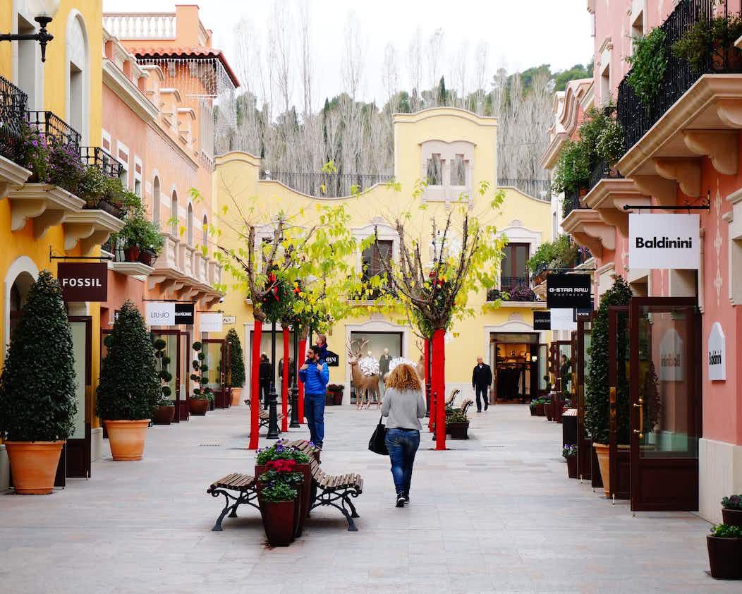 3023febad8a Designer Outlet  La Roca Village Barcelona + Bus Tour