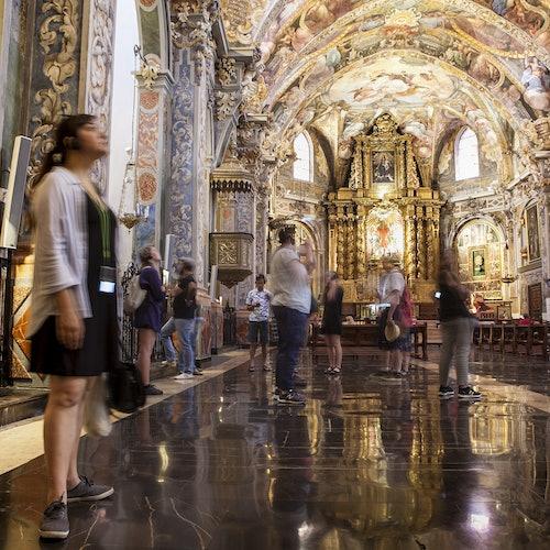 Iglesia de San Nicolás, iglesia de Santos Juanes y Museo de la Seda: Audioguía