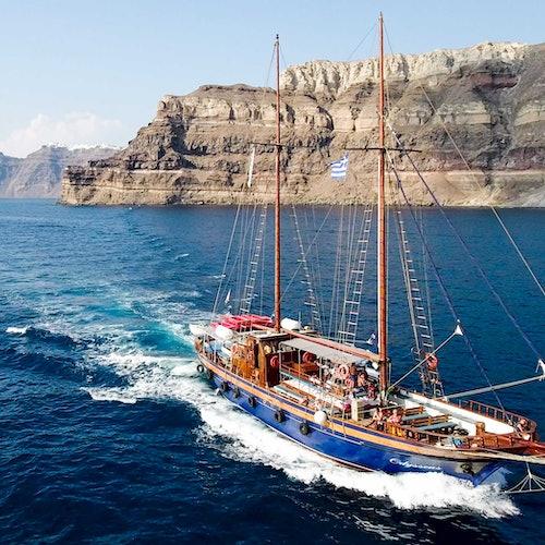 Santorini Volcano and Hot Springs Tour
