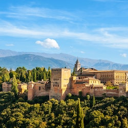 Imagen Alhambra and Nasrid Palaces: Skip The Line + Guided Tour