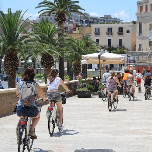 Tour a pie o en bici de Bari