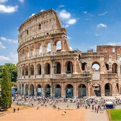 Imagen Coliseo y Museos Vaticanos: Acceso sin colas + bus turístico 48 h