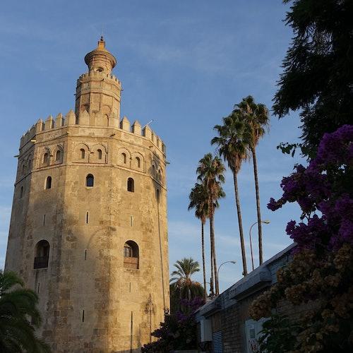 Crucero de la Torre del Oro