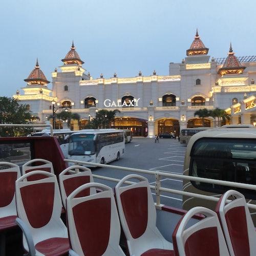Bus turístico abierto por Macao