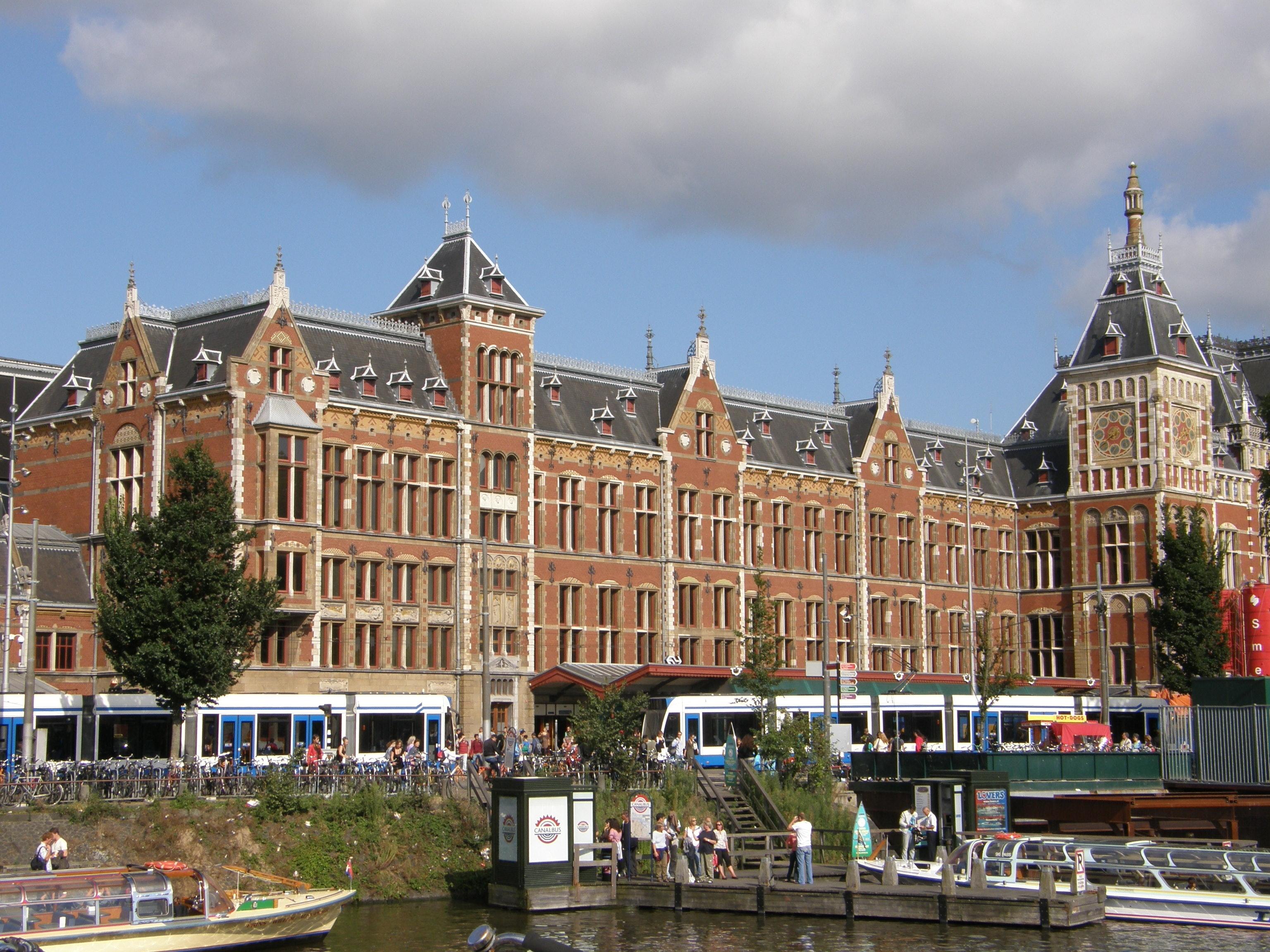 Kanalrundfahrt amsterdam tiqets for Hotel centrali ad amsterdam