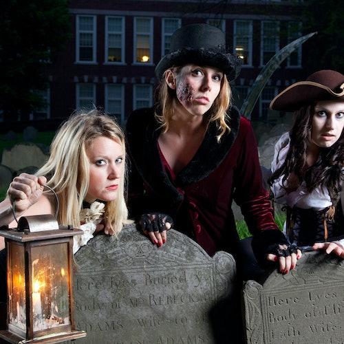 Fantasmas y tumbas en Boston