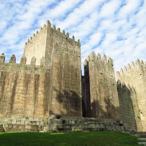 Braga and Guimarães: Day Tour from Porto
