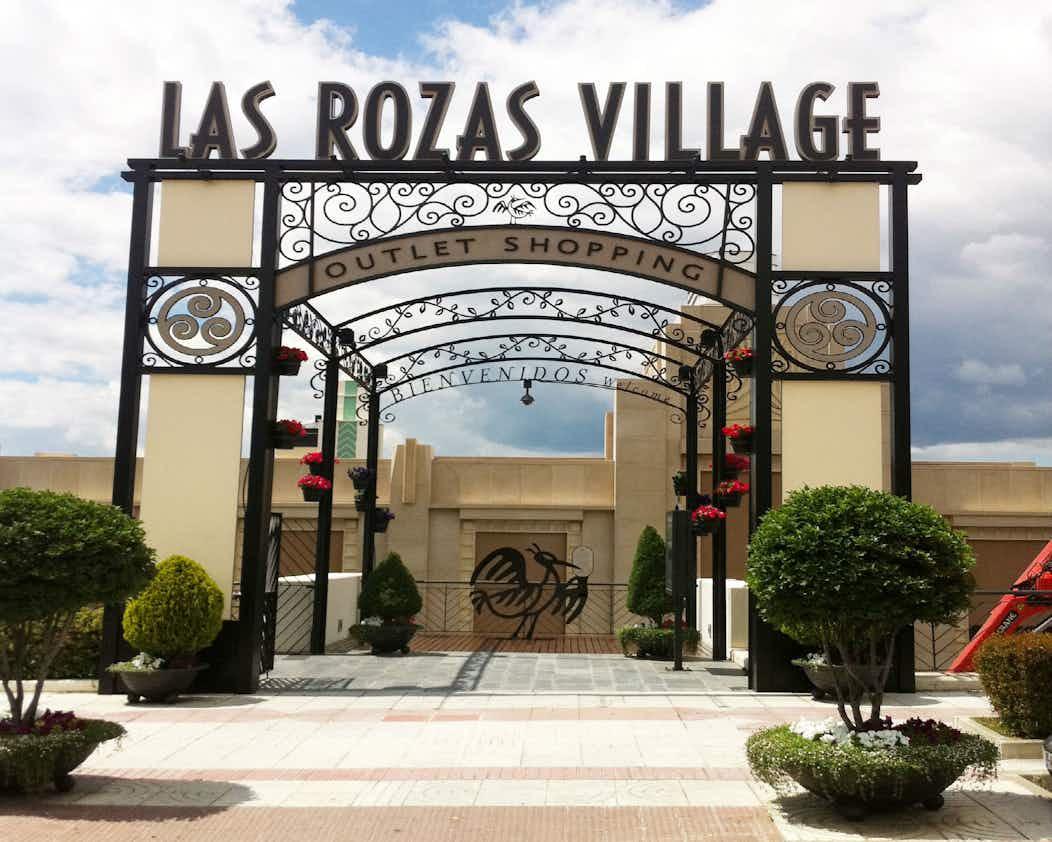 bc887307b32 Outlet de diseñadores: Las Rozas Village Madrid| Tiqets