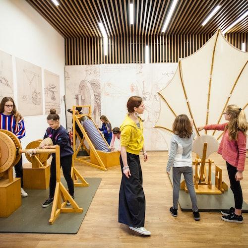 Museo Nacional de la Ciencia y la Tecnología Leonardo da Vinci: Acceso rápido