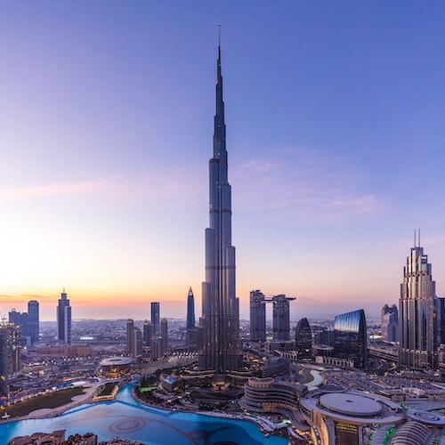 Burj Khalifa: Bubbly Sundowner at the Lounge (Floors 152-154)