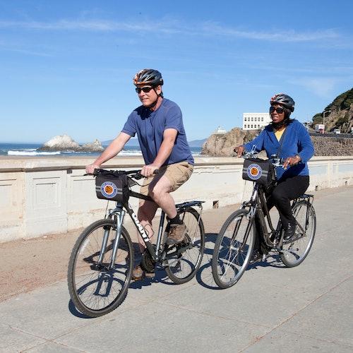 Alcatraz y tour en bici del puente Golden Gate hasta Sausalito