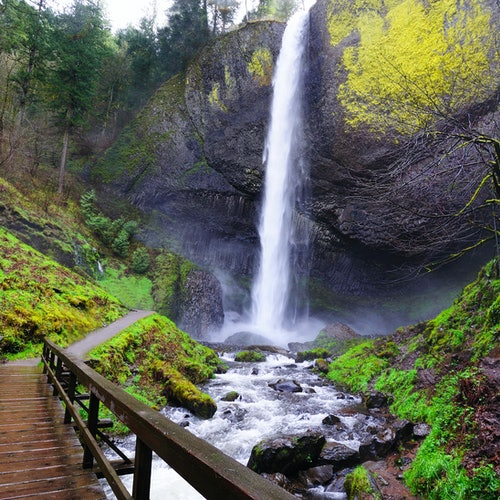 Multnomah Falls & Columbia River Gorge Tour from Portland