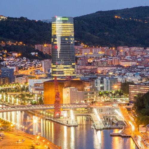 Bilbao y el Museo Guggenheim desde San Sebastián: Sin colas