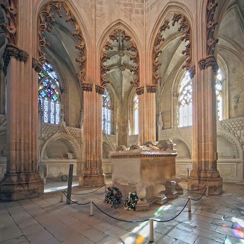 Fátima + Monasterio de Batalha: Tour en un grupo pequeño desde Oporto