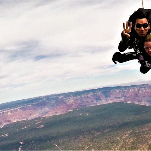 Paracaidismo en el Gran Cañón desde Phoenix