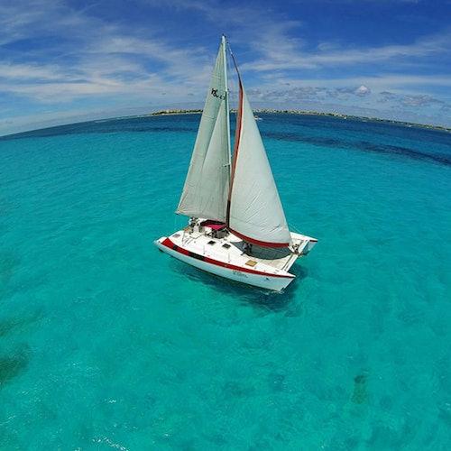 Isla Mujeres: Tour en catamarán desde Cancún
