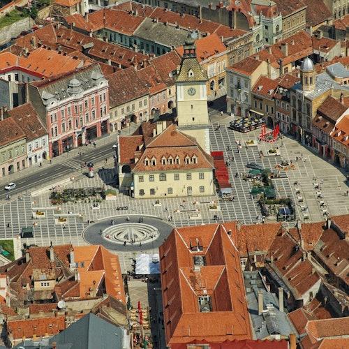 Brașov por la noche + Iglesia Negra: Acceso rápido