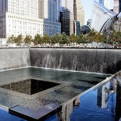 Imagen 9/11 Ground Zero: Visita guiada + 9/11 Memorial & Museum: Acceso rápido