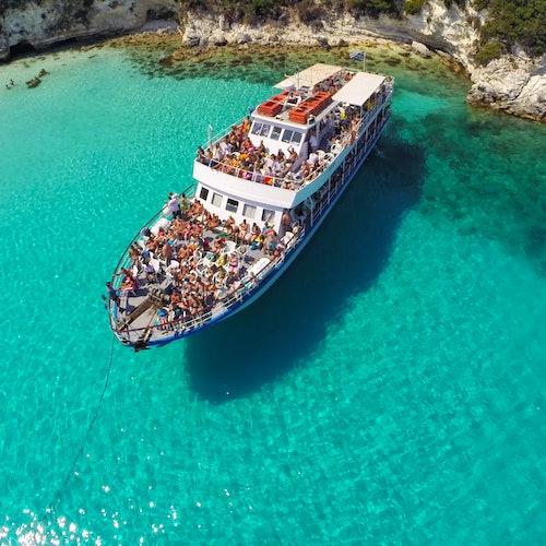 Crucero por las cuevas azules de Paxos y Antipaxos (pueblo de Lakka)