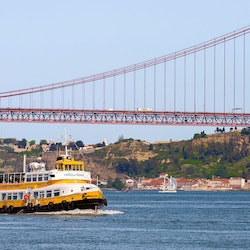 Hop-on Hop-off Boat Lisbon
