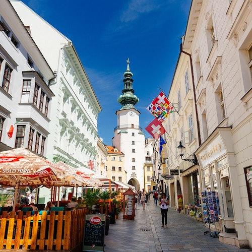 Bratislava: Excursión desde Viena en bus y barco