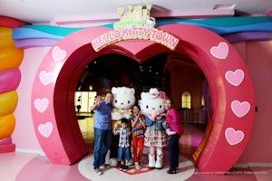 Sanrio Hello Kitty Town & Thomas Town