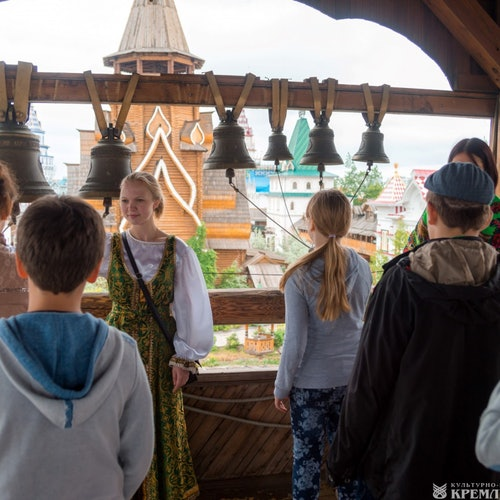 La cabaña y campanario de Baba Yagá