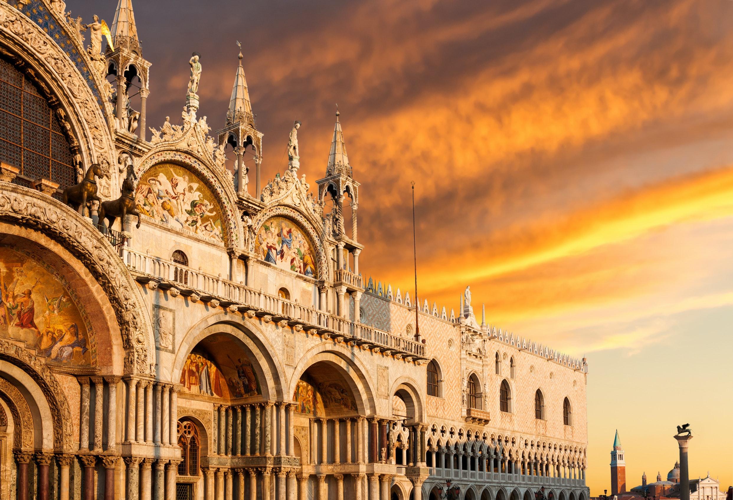 Skip The Line St Mark S Basilica Guided Tour