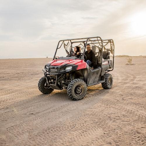 Safari en quad por el desierto, paseo a camello, cena barbacoa y espectáculo
