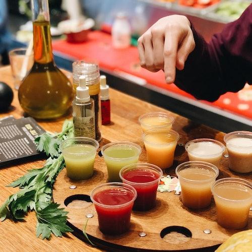 Tour gastronómico en el mercado del Carmel y museo Beit Hair